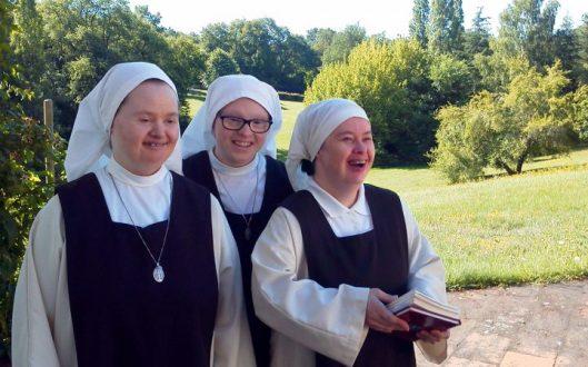 petites-soeurs-disciples-de-l-agneau-soeurs-trisomiques